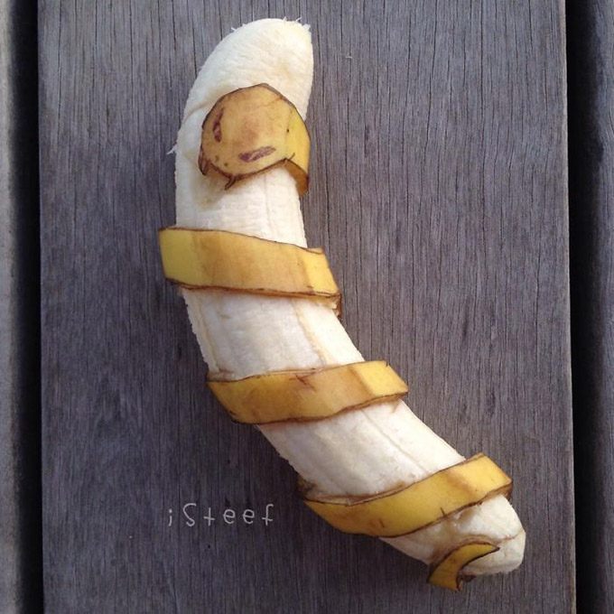 Artist-Stephan-Brusche-Transforms-Bananas-Into-Creative-16